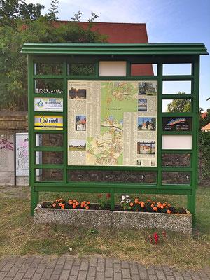 Gewerbeverein-Muehlenbecker-Land-Werbetafel-Schoenfliess-Restaurierung-5