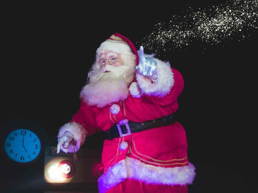 Der Weihnachtsmann im Bürgersaal Schildow 2